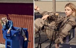 Chloe Moretz tạo dáng với.. xe đẩy và thùng rác