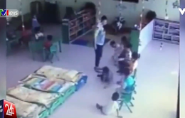 2 giáo viên Trung Quốc đánh, đạp liên tiếp học sinh mẫu giáo