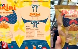 Cảnh sát Indonesia truy quét sản phẩm ăn vặt có in hình bikini