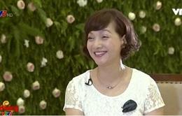 """Café Sáng với VTV3: BTV Diệp Chi ngỡ ngàng với vẻ """"không tuổi"""" của NSND Lê Khanh"""