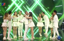 """Vietnam Idol: Được hôn, được tát yêu và giành vé vào CK, Việt Thắng là thí sinh """"lãi"""" nhất!"""