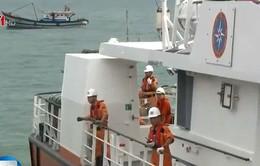 Vụ tàu cá bị đâm chìm ở Hoàng Sa: 34 ngư dân về đến đất liền an toàn