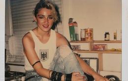 Madonna bụi bặm trong loạt ảnh polaroid hiếm thấy