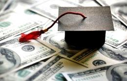 Gánh nặng nợ sinh viên làm khó ngành bán lẻ Mỹ