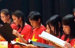 """""""Tổ quốc yêu thương"""" đến với cộng đồng người Việt tại Pháp"""