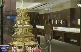 Cây thông Noel bằng vàng trị giá… 1,8 triệu USD