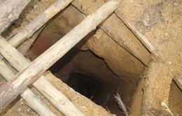 Kon Tum: Đánh sập các hầm vàng trái phép