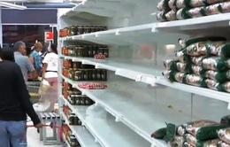 Thiếu tiền để in tiền, kinh tế Venezuela đang khánh kiệt
