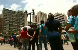 Khủng hoảng lương thực tại Venezuela: Cô giáo bán điểm cho học sinh, đổi lấy sữa