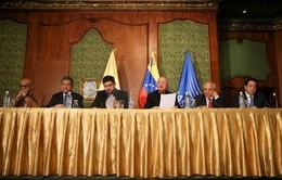 Chính phủ Venezuela và lực lượng đối lập tìm giải pháp hòa bình