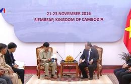 Thủ tướng gặp Việt kiều ở Siem Reap, Campuchia
