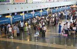Vì sao giá vé máy bay vẫn đắt đỏ?