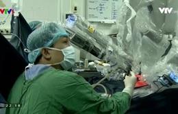 Ứng dụng robot trong phẫu thuật nội soi được bình chọn là thành tựu KHCN nổi bật 2016
