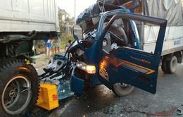 Xe tải tông xe container, 1 người bị thương nặng