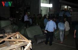 Tạm giữ 40 tấn hàng Trung Quốc nhập lậu tại ga Đà Nẵng