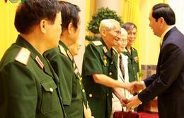 Chủ tịch nước gặp mặt Ban liên lạc quân tình nguyện Việt Nam tại Lào