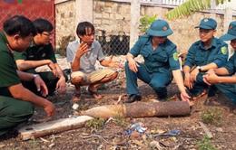 Quảng Trị: Đạn pháo phát nổ, bay vào vườn nhà dân