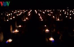 Thắp nến tri ân tại nghĩa trang Liệt sỹ Quốc gia Trường Sơn