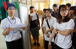 Sinh viên bất ngờ được huy động làm đề thi minh họa THPT quốc gia 2017