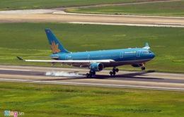 Hàng chục chuyến bay ở Nội Bài bị ảnh hưởng do thời tiết xấu