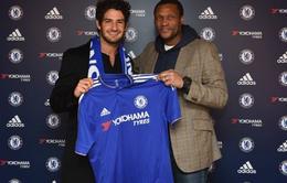 """Chưa kịp cống hiến cho Chelsea, Pato đã bị """"trù ẻo"""""""