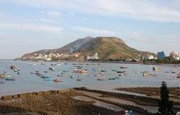Xử lý tình trạng tàu cá neo đậu trên bãi tắm tại Bà Rịa - Vũng Tàu