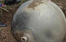 """""""Vật thể lạ"""" rơi ở Tuyên Quang có thể là bình chứa oxy hoặc hydro"""