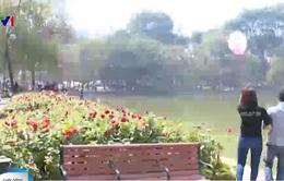 Hồ Gươm - địa điểm thu hút giới trẻ ngày Valentine