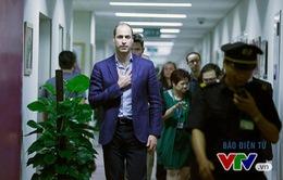 Hoàng tử William và những hình ảnh tại trường quay Talk Vietnam