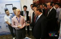 Thủ tướng Nguyễn Xuân Phúc thăm triển lãm ICT Best Practices 2016