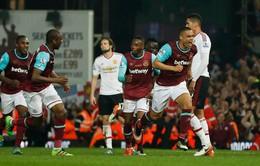 West Ham 3-2 Man Utd: Gục ngã trước cánh cửa top 4