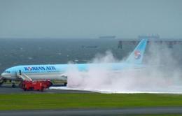 VIDEO máy bay Korean Air chở 319 người cháy lớn ở sân bay Tokyo
