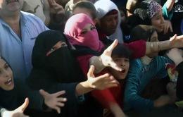 Iraq: Người dân Mosul tranh giành viện trợ lương thực
