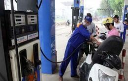Giá xăng RON 92 giảm 341 đồng, giá dầu tiếp tục tăng