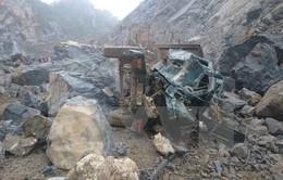 Tìm thấy thi thể một trong ba nạn nhân bị vùi lấp ở mỏ đá Thanh Hóa