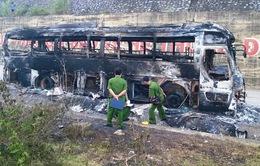 Liên tiếp các vụ ô tô bốc cháy, nguyên nhân do đâu?