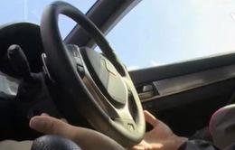Xe tự lái gặp tai nạn: Người điều khiển không đọc kỹ hướng dẫn?