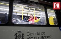 Brazil: Xe chở phóng viên tác nghiệp Olympic Rio 2016 bị tấn công