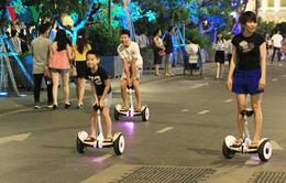 Cấm kinh doanh xe điện tự cân bằng trên phố đi bộ Hồ Gươm