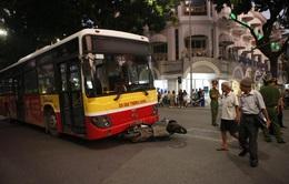 Ý thức giao thông kém gây mất an toàn cho xe bus