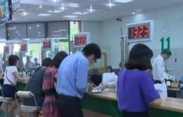 TP.HCM: Người dân xếp hàng gửi tiền tiết kiệm