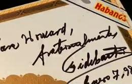 Bán đấu giá hộp xì gà có chữ ký của lãnh tụ Cuba Fidel Castro