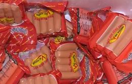 Chất phụ gia trong xúc xích Viet Foods: Vì sao 1 tháng chưa kết luận được có hay không gây ung thư?