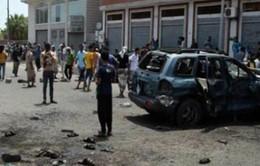 Yemen: Đánh bom kép tại căn cứ quân sự gần sân bay, 6 binh sĩ thiệt mạng