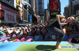 Người Mỹ tập Yoga đón ngày Hạ chí