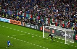 """Simone Zaza xin lỗi vì quả penalty quá """"dị"""""""