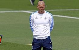 Real mua sắm ít bất thường vì Zidane