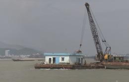 Nạo vét thông luồng cảng Quy Nhơn để tàu hàng ra vào cảng