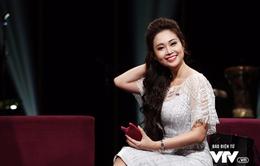 """MC Thùy Linh khoe vẻ quyến rũ, """"thiêu đốt"""" ánh nhìn"""