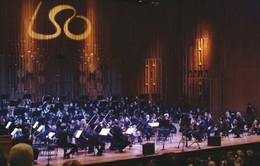 Dàn nhạc giao hưởng London biểu diễn ở phố đi bộ Hà Nội